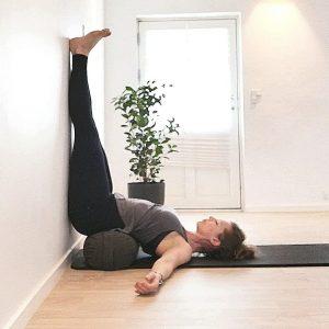 søvn-træthed-yogastilling for ro