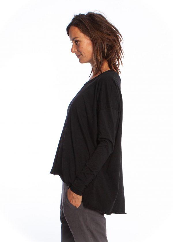 drapey tee black yogamii
