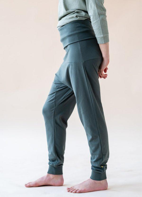 yogamii- prana pants- petroel grey
